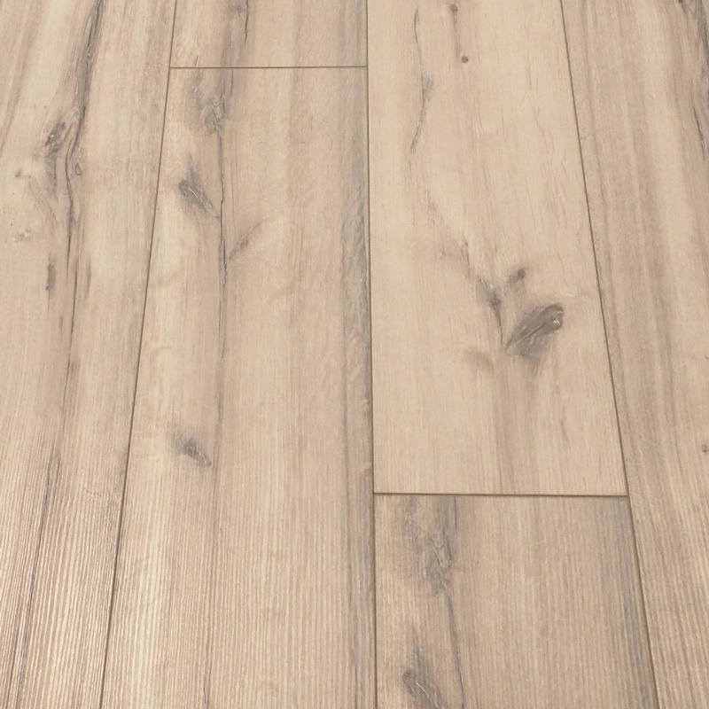 LaminateG5 KronoLaminate- My Chalet 10mm Vermont Oak