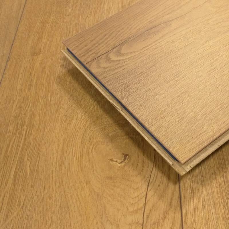 Kronoswiss  Lucerne Oak 12mm Laminate