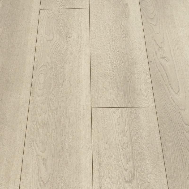 Kronoswiss  Loft Oak 10mm Laminate