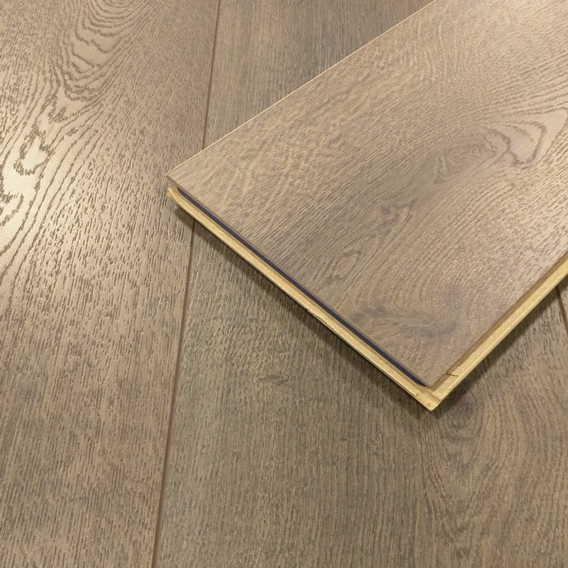Kronoswiss  Townhouse Oak 10mm Laminate
