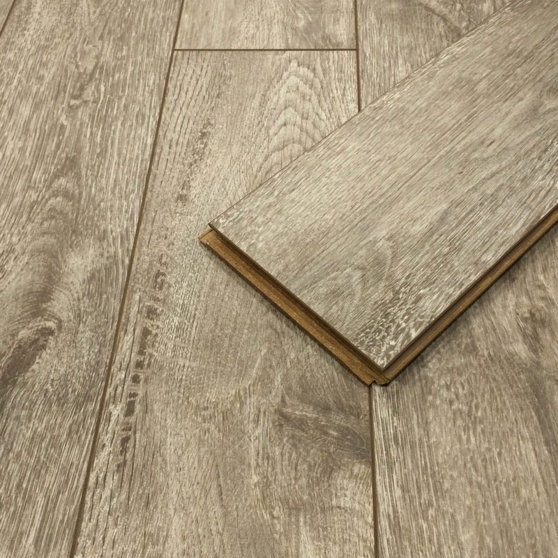 UniBoard  Hipster Oak 12mm Laminate