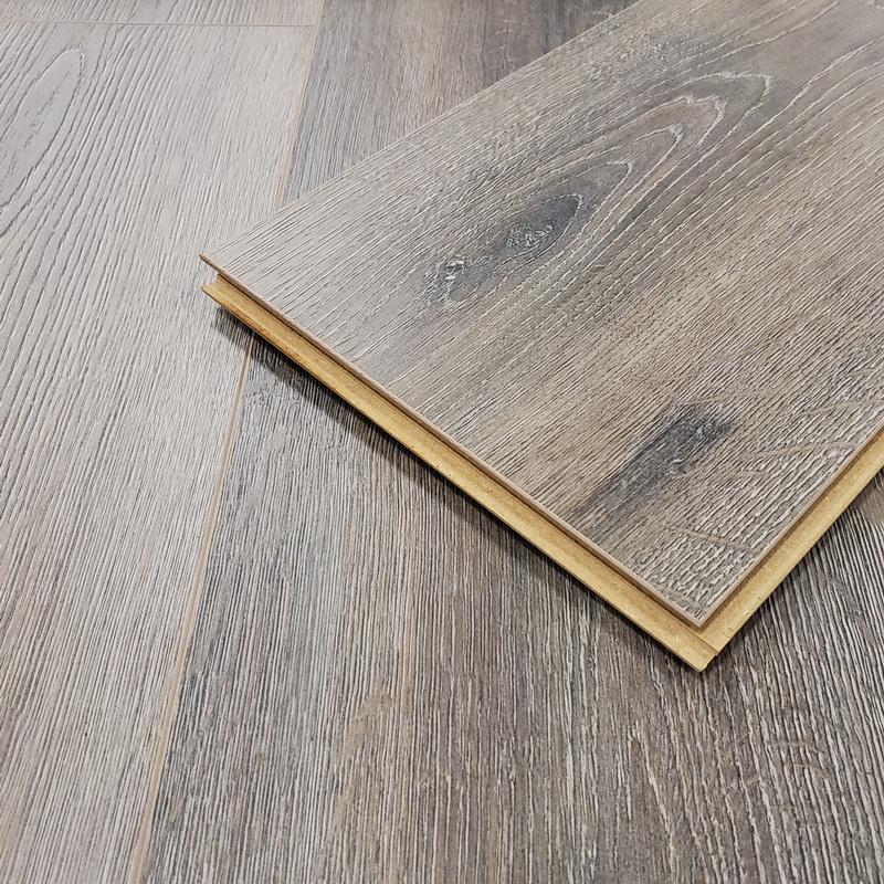Kronoswiss Grand Selection  Copper Oak AC5 12mm Laminate